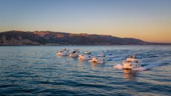 motorboats-cruising