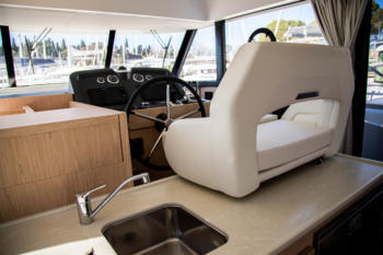 Swift Trawler 47 console